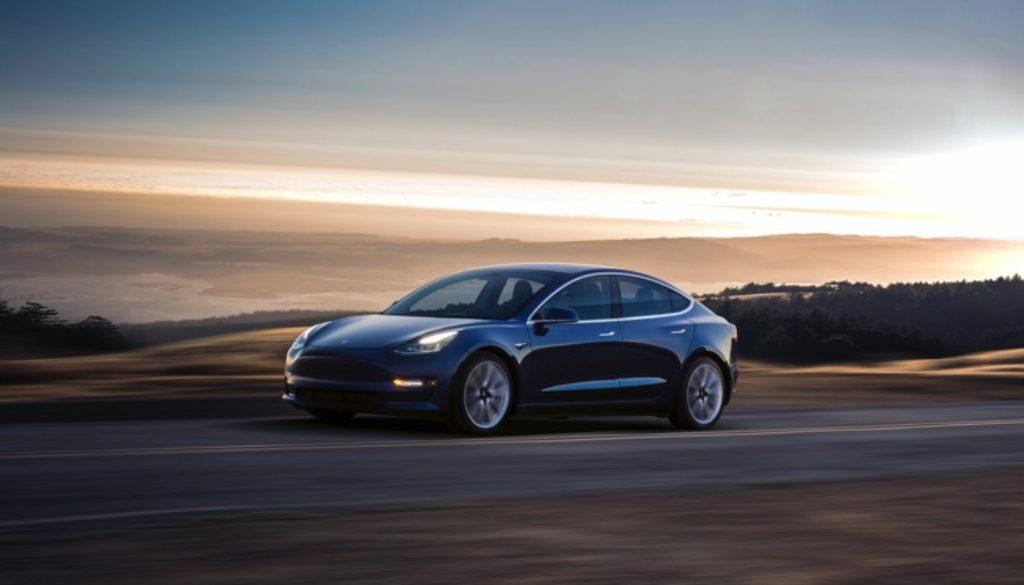 Tesla_Model_3-02